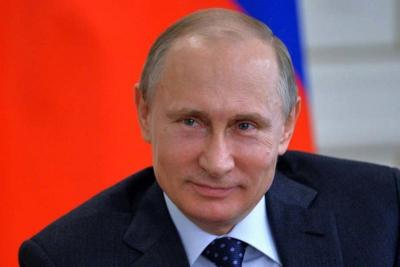 В ходе праздничного митинга Владимир Путин объявил о своём решении принять участие в предстоящих президентских выборах.