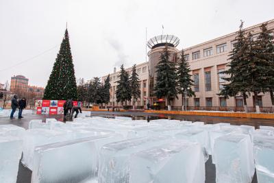 Скульптуры на главной площади